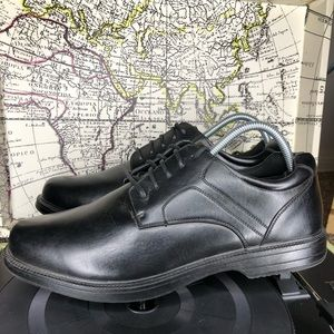 Black Service Shoes Non-Marking Slip & Oil Resist